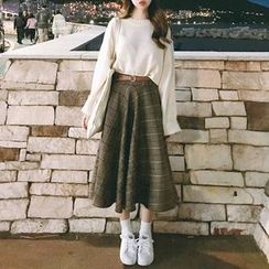 Roah  - Flared-Sleeve Knit Top / Plaid Midi A-Line Skirt