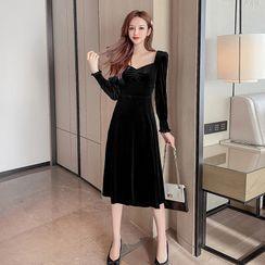 Petit Lace - Long-Sleeve Velvet Plain Midi Dress