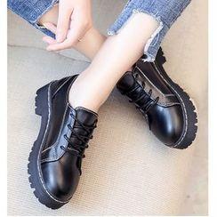 Belbie - Lace-Up Shoes