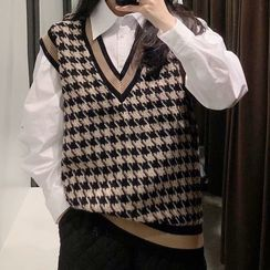 Osion - V-Neck Houndstooth Sweater Vest