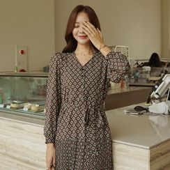 CLICK(クリック) - Pleated Patterned Long Dress with Sash