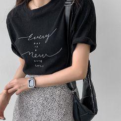 MERONGSHOP - Short-Sleeve Napped Letter T-Shirt
