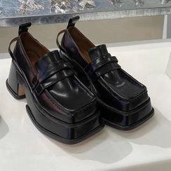 Futari - 方头厚底粗跟仿皮乐福鞋