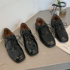 QQ Trend - Square Toe Faux Leather Oxfords