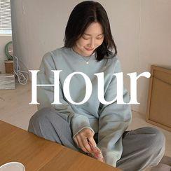 UPTOWNHOLIC(アップタウンホリック) - Overlock-Stitched Pastel-Color Sweatshirt