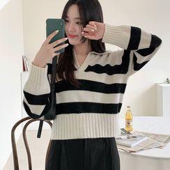 UPTOWNHOLIC - Collared Stripe Knit Top