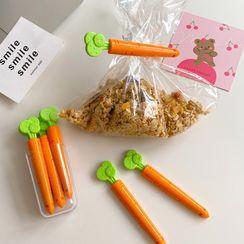 Intimo(インティモ) - Set of 5 : Carrot Plastic Food Bag Clip Fridge Magnet