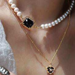 Koocac - Heart Pendant Rhinestone Alloy Necklace / Faux Crystal Faux Pearl Choker