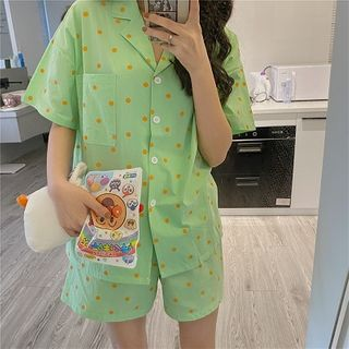 Tanee - Set: Short-Sleeve Dotted Pajama Top + Shorts + Eye Mask