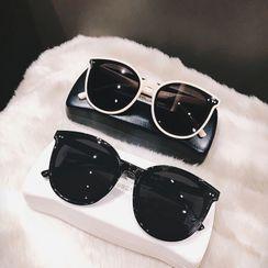 MOL Girl - Retro Square Sunglasses