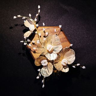 Neostar - Rhinestone Floral Headpiece