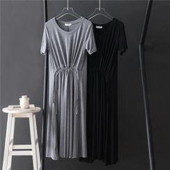 Grenoble - 短袖A字連衣中裙