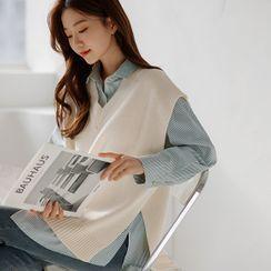 JUSTONE - Colored Deep-Slit Sweater Vest