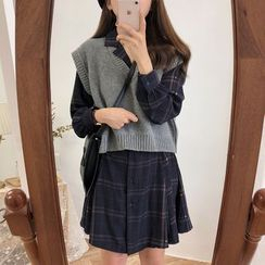 Leoom - V-Neck Knit Cropped Vest/ Plaid Mini Shirtdress