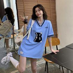 Guromo - Short-Sleeve V-Neck Lettering T-Shirt