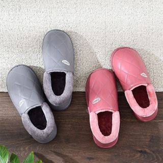 Ishanti - Quilted Slip-Ons
