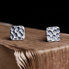 Andante - 925纯银暗纹方形耳环