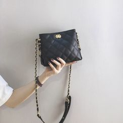 nitefini(ナイトフィニ) - Chain Quilted Crossbody Bag