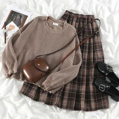 PUYE - Distressed Loose-Fit Sweater / Plaid Midi Skirt