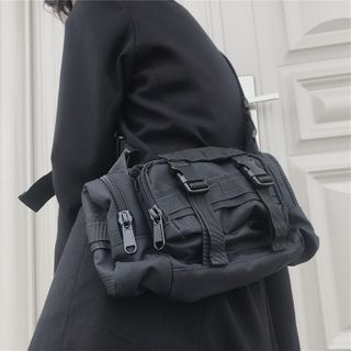 Porstina(ポルスティナ) - Buckled Crossbody Bag
