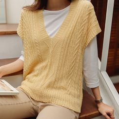 JUSTONE - Sleeveless Bouclé Cable-Knit Top