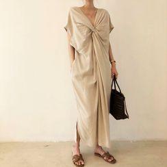 Shumanee - 蝙蝠袖V领扭结长直身连衣裙