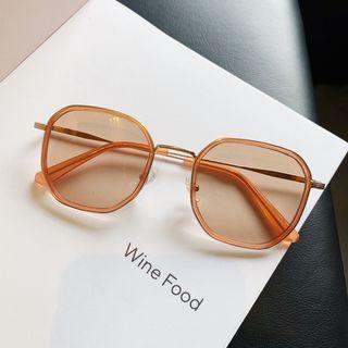 iLANURA - Retro Square Sunglasses