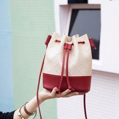 Hanaburg - Argyle One-Shoulder Bucket Bag