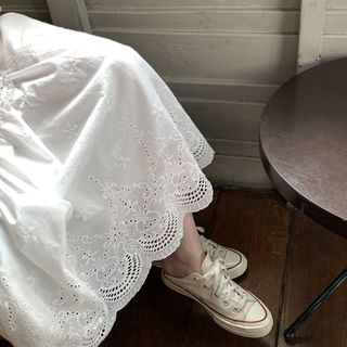 YASDEAR - 通花蕾絲A字中長裙