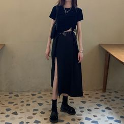 Moon City - 短袖抽繩短款上衣 / 開衩襬A字中裙