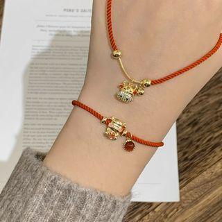 MOMENT OF LOVE - Ox Rhinestone Red String Bracelet