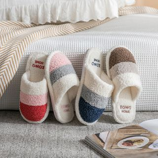 EMERY.V - Couple Matching Color Panel Fleece Slippers / Set