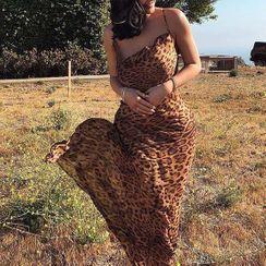 Vanduous - Spaghetti Strap Leopard Print Sheath Evening Gown