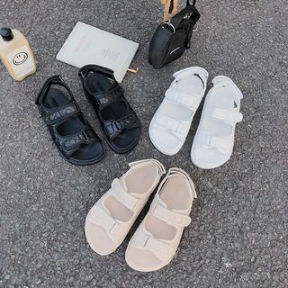 STEPUP - Platform Quilted Adhesive Strap Sandals