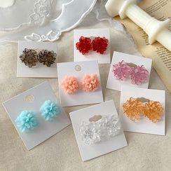 Admae - Flower Stud Earring / Clip-On Earring