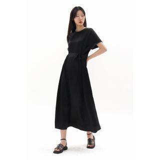SIMPLY MOOD - Tie-Waist Maxi Satin Dress