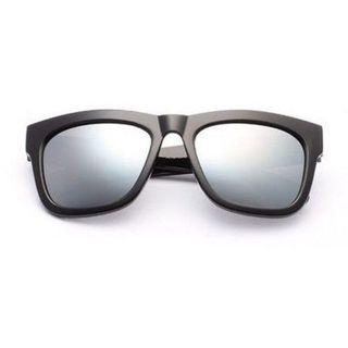 MOL Girl - Épaisses lunettes de soleil monture