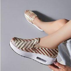 MINIKA - 编织厚底休閒鞋