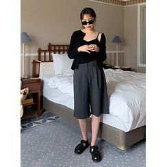 maybe-baby - Flat-Front Cropped Pants
