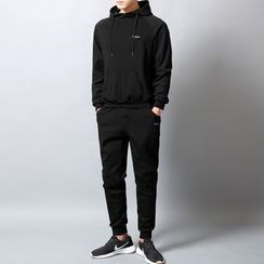 Sheck(シェック) - Set: Stand Collar Lettering Embroidered Hoodie + Jogger Pants