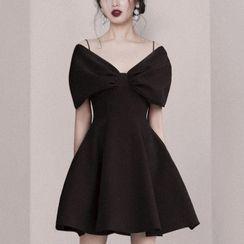 Willowrush - 短袖鏤空肩派對A字連衣裙