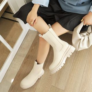 Kireina - 纯色厚底切尔西短款靴子
