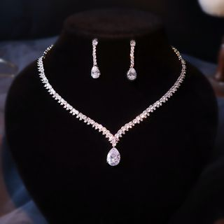 Neostar - 套装: 婚礼水钻吊坠项链 + 耳坠