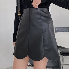 MERONGSHOP - Scallop-Hem Pleather Miniskirt