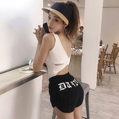 Conah - 字母交叉背背心 / 字母运动短裤
