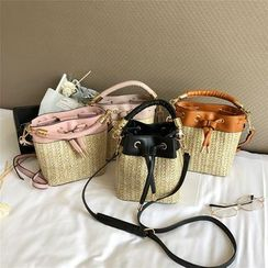 Diamante(ディアマンテ) - Woven Paneled Bucket Bag