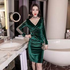 Moreno - 長袖絲絨塑身連衣裙