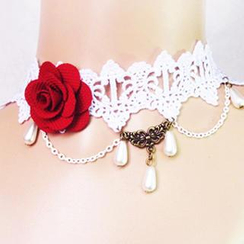 Fit-to-Kill - Gothic Lace Rose Necklace