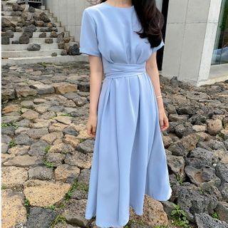 Leoom - Short-Sleeve Sashed A-Line Midi Dress