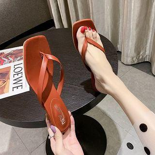 Novice - Kitten Heel Flip Flops